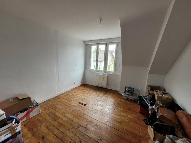 Maison à vendre à ambon Maison de ville 2 chambres habitable de suite