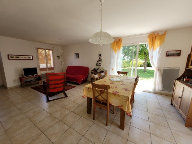 Maison à vendre à ambon À Ambon, maison 3 chambres, proche centre