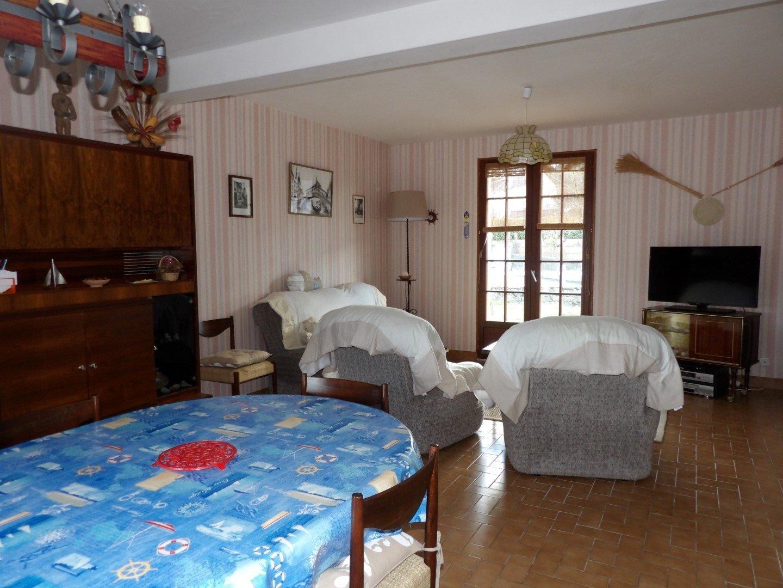 Maison à louer à Damgan Jardin terrasse maison confortable pour 8 pers.