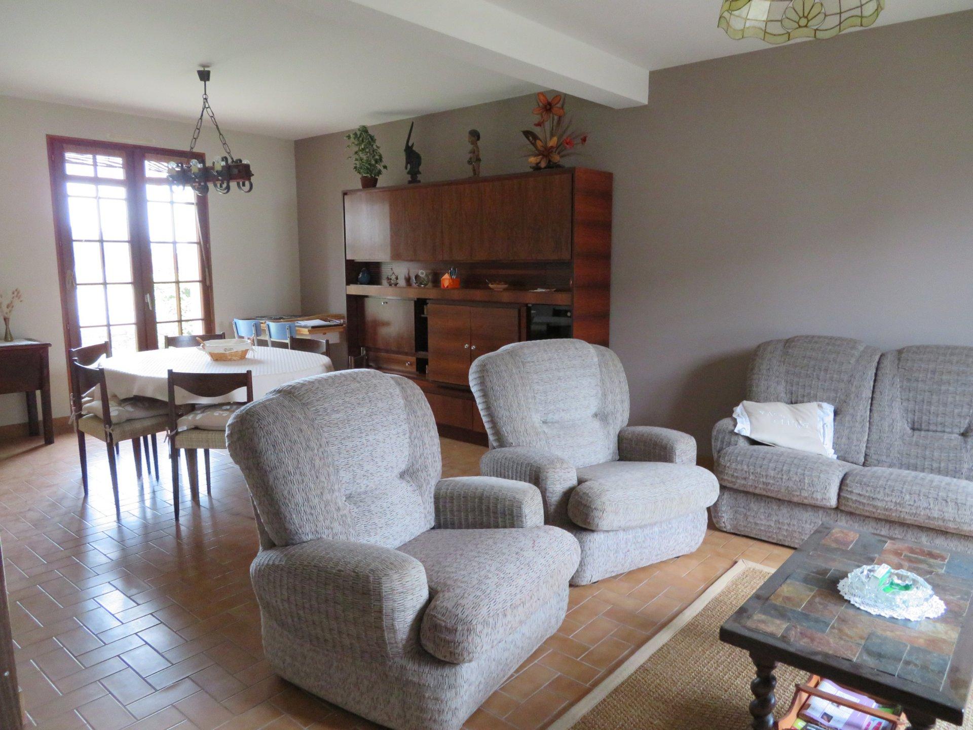 Maison à louer à Damgan Jardin terrasse maison confortable pour 6 pers.