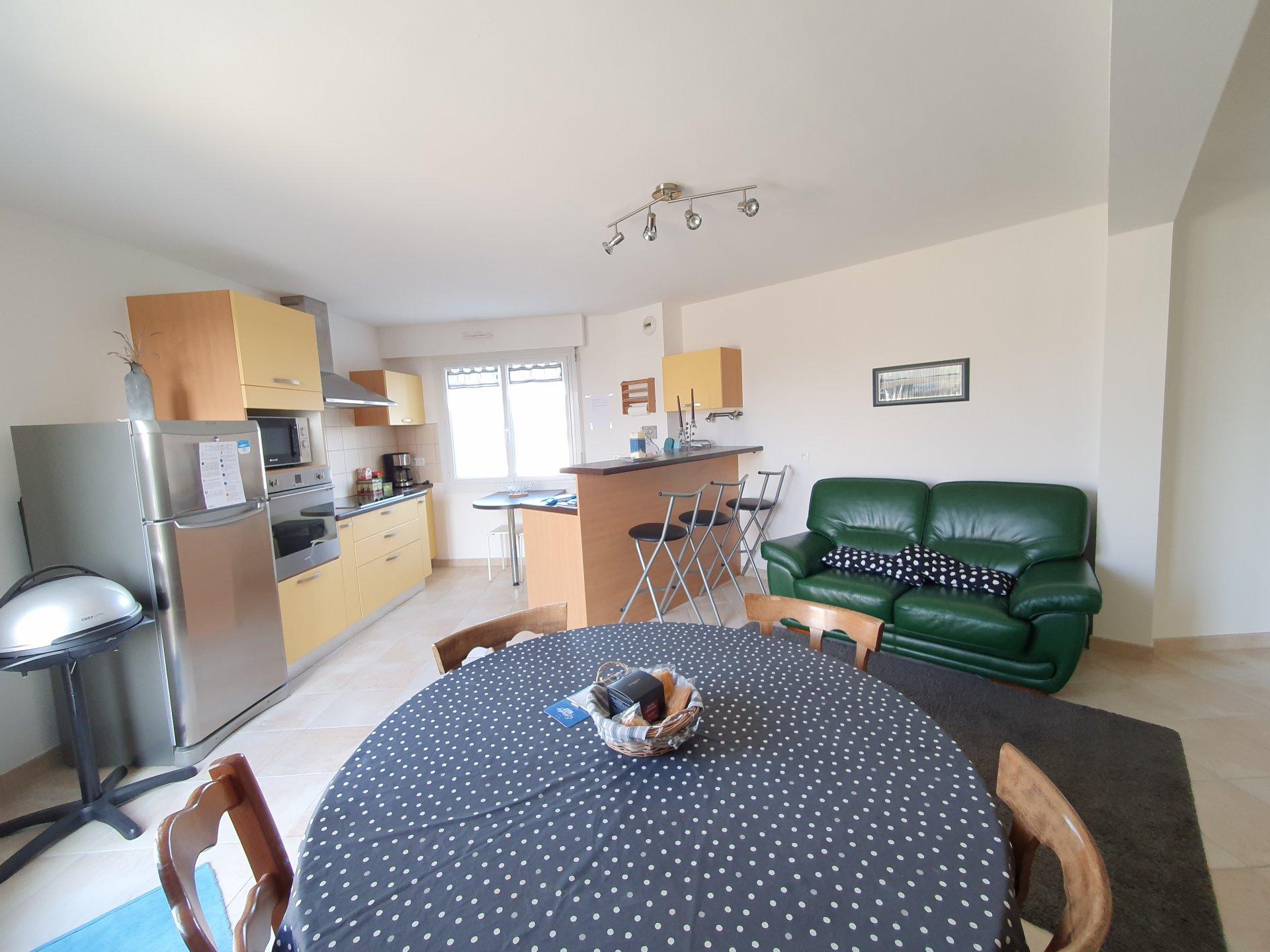 Appartement à louer à Damgan Appartement T3 offrant une vue sur la mer et rivière de Pénerf